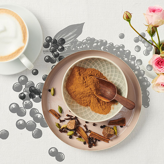 selbstgemachtes Kaffeeewürz in Schüssel