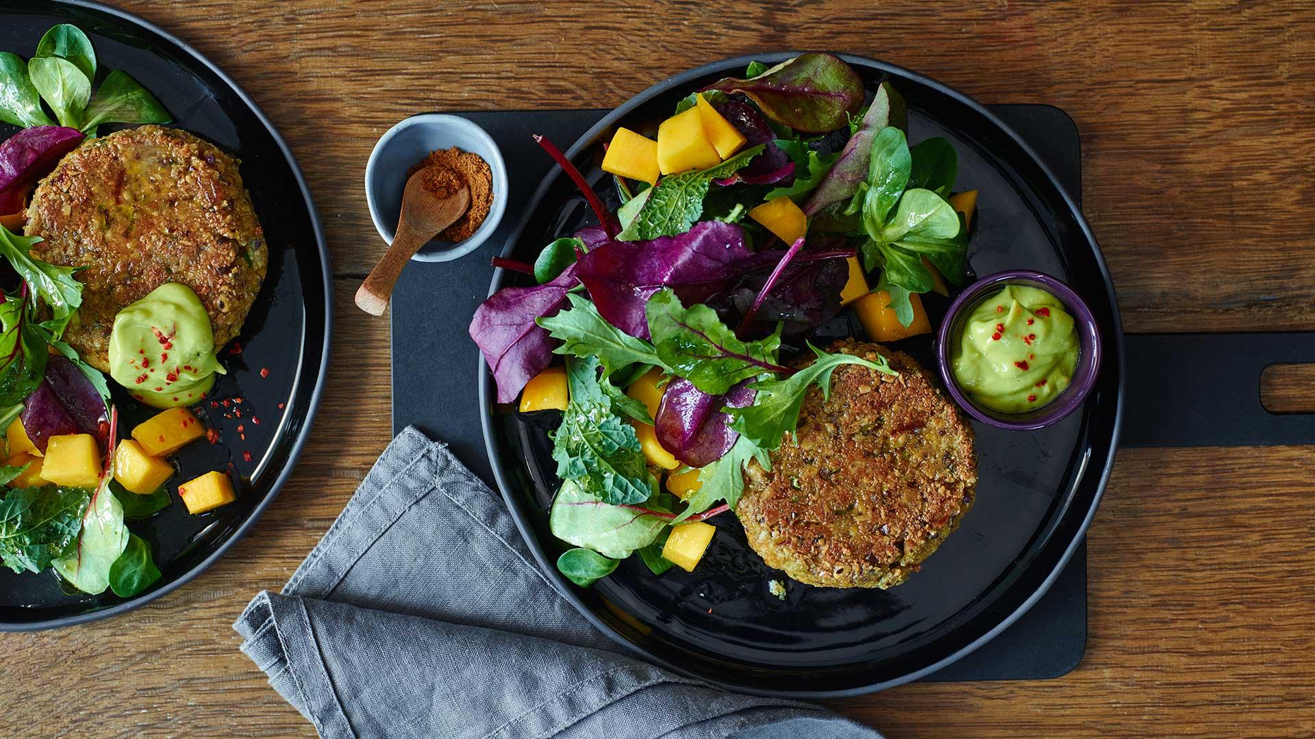 Ras el Hanout Nussburger mit Chili-Avocado-Dip