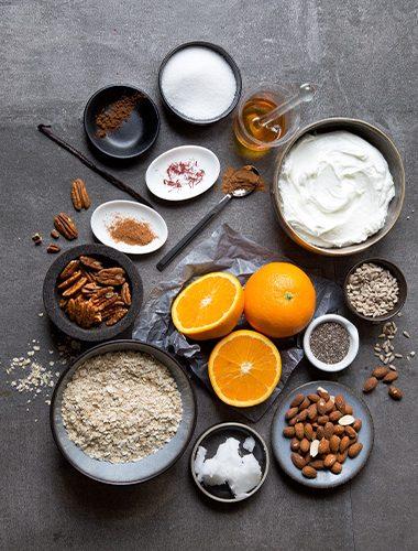 Zutaten für ein Müsli mit Safran