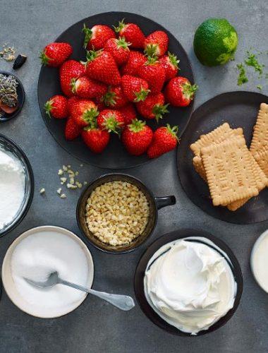Zutaten für Lavendel Strawberry Cheesecake