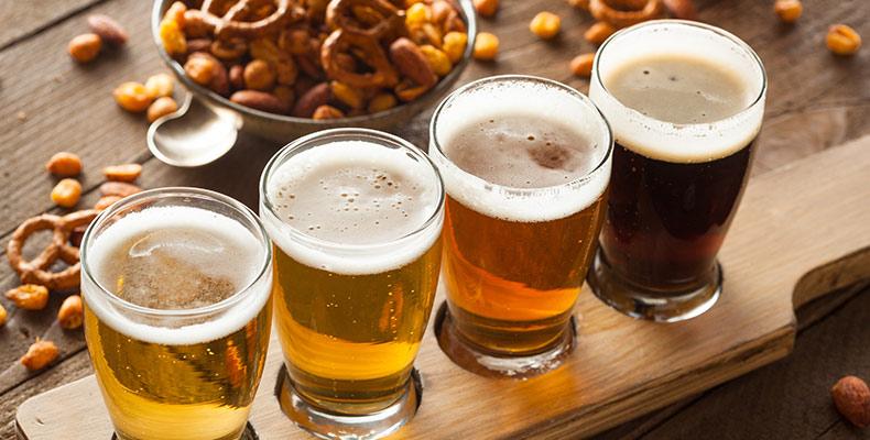 Pale Ale und Indian Pale Ale im Glas