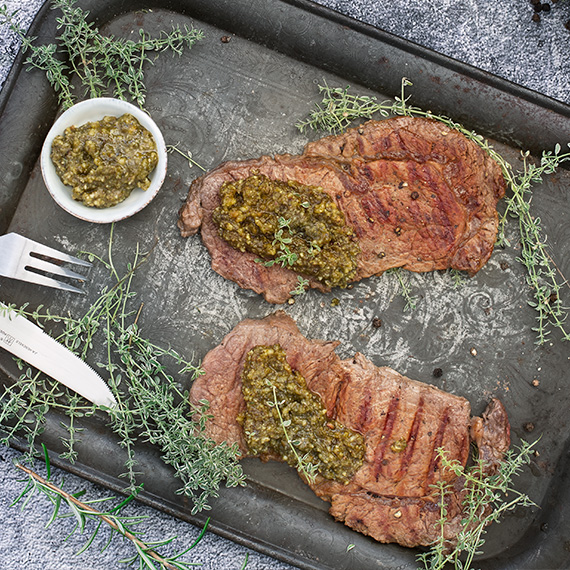 Rindersteak mit Salsa Verde